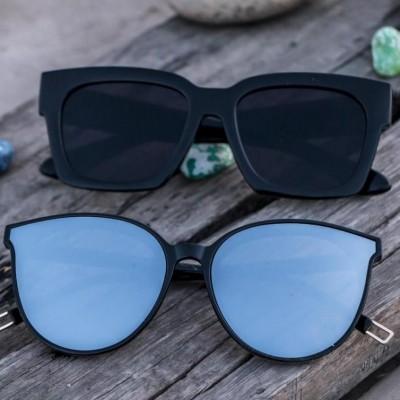 Lookscart Blue Lens Oversized Fashionable Unisex Sunglass